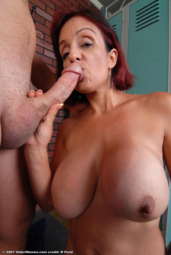 Roseanne barr nude thumbs
